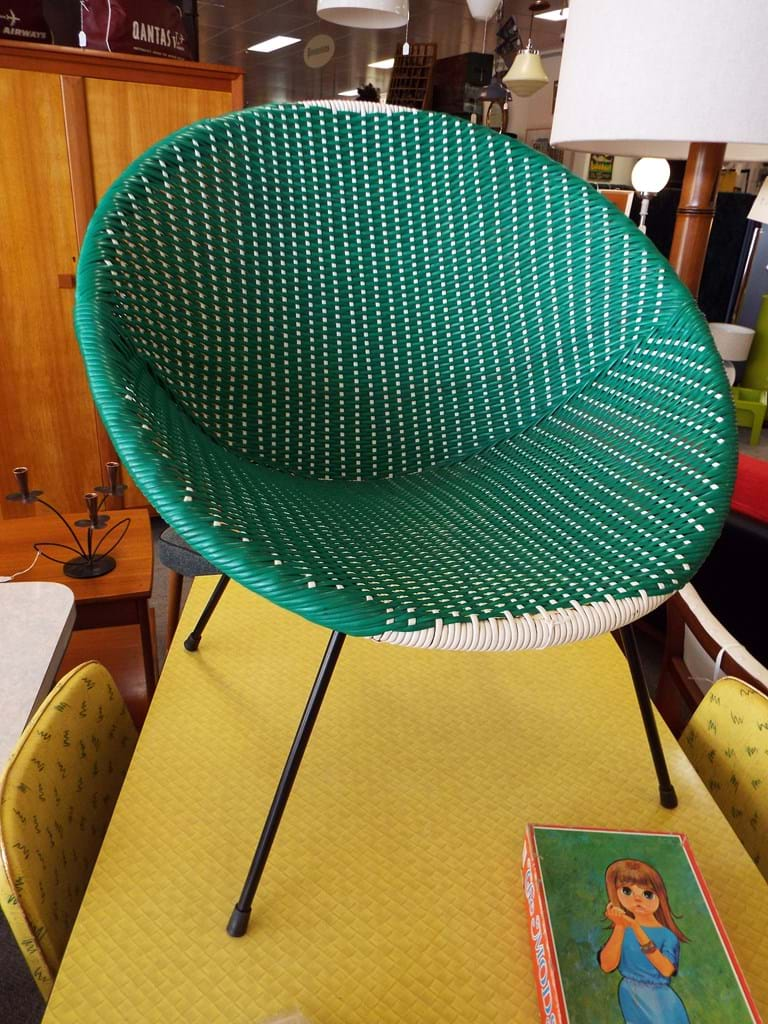1960s plastic weave saucer chair