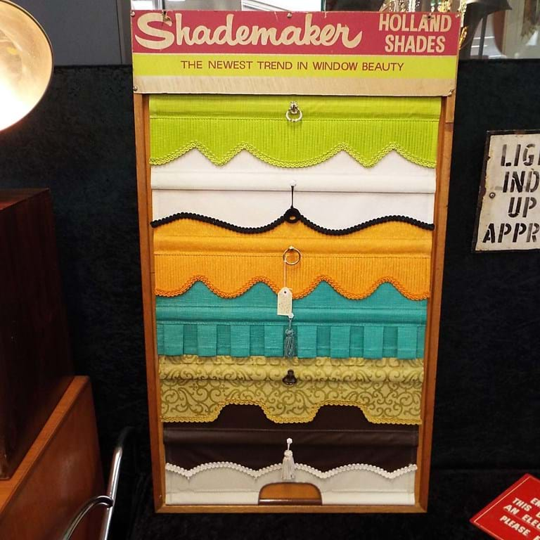 Shademaster holland blind display panel