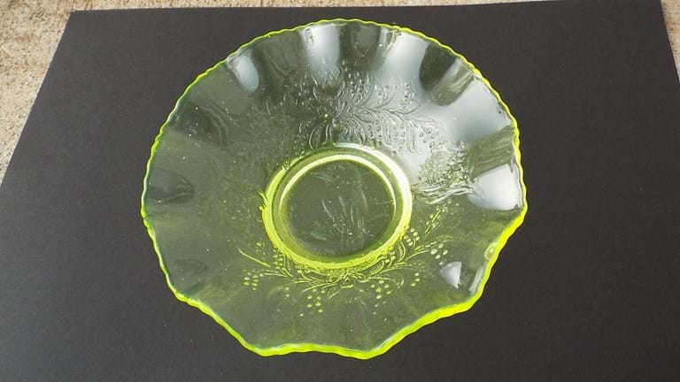 Crown Crystal citron uranium glass kookaburra nappy bowl