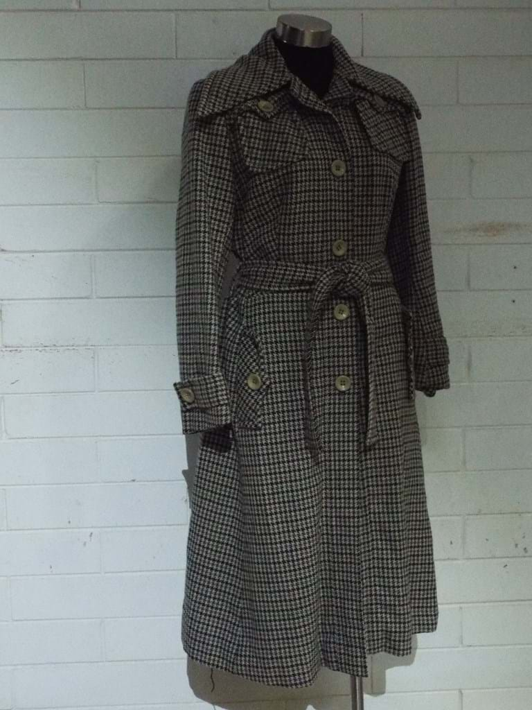 1970s hounds tooth coat