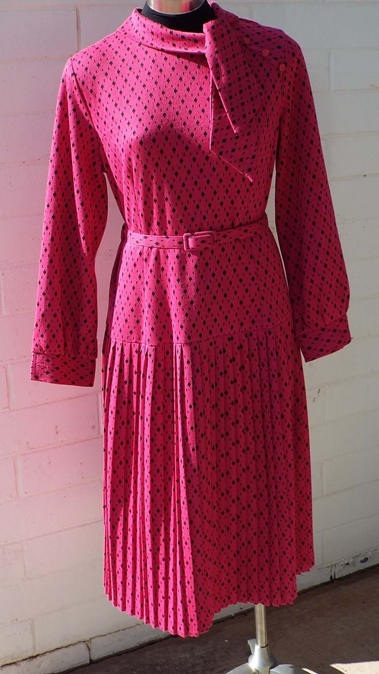 1970s hot pink and black pleated dress