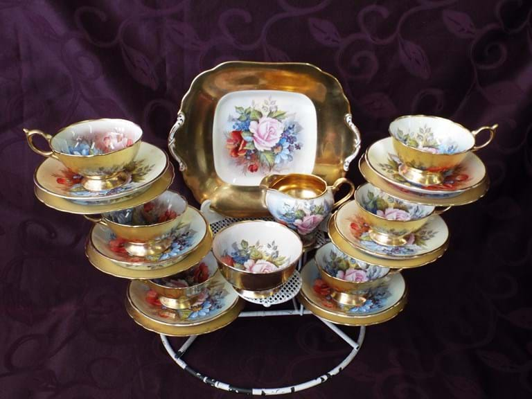 1930s Aynsley hand decorated 21 piece tea set