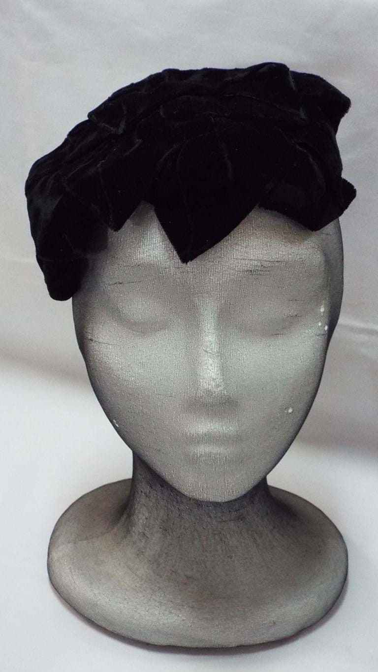 1950s black velvet cocktail hat