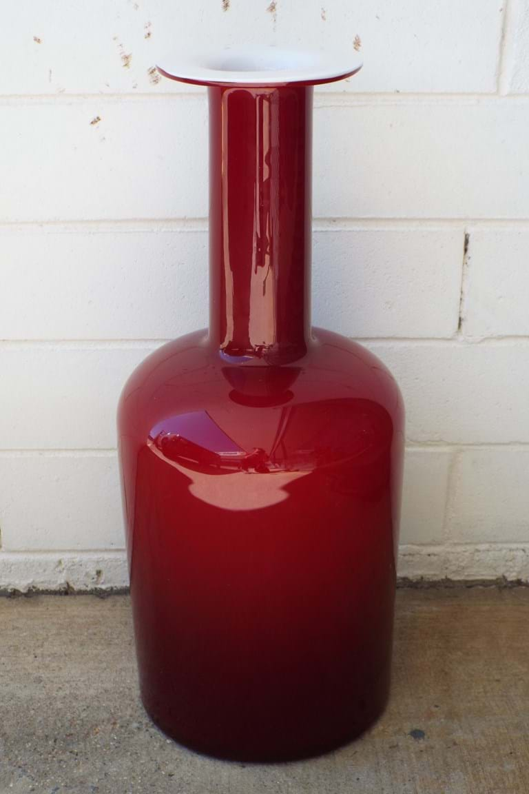 Holmegaard cased red glass Gulvase
