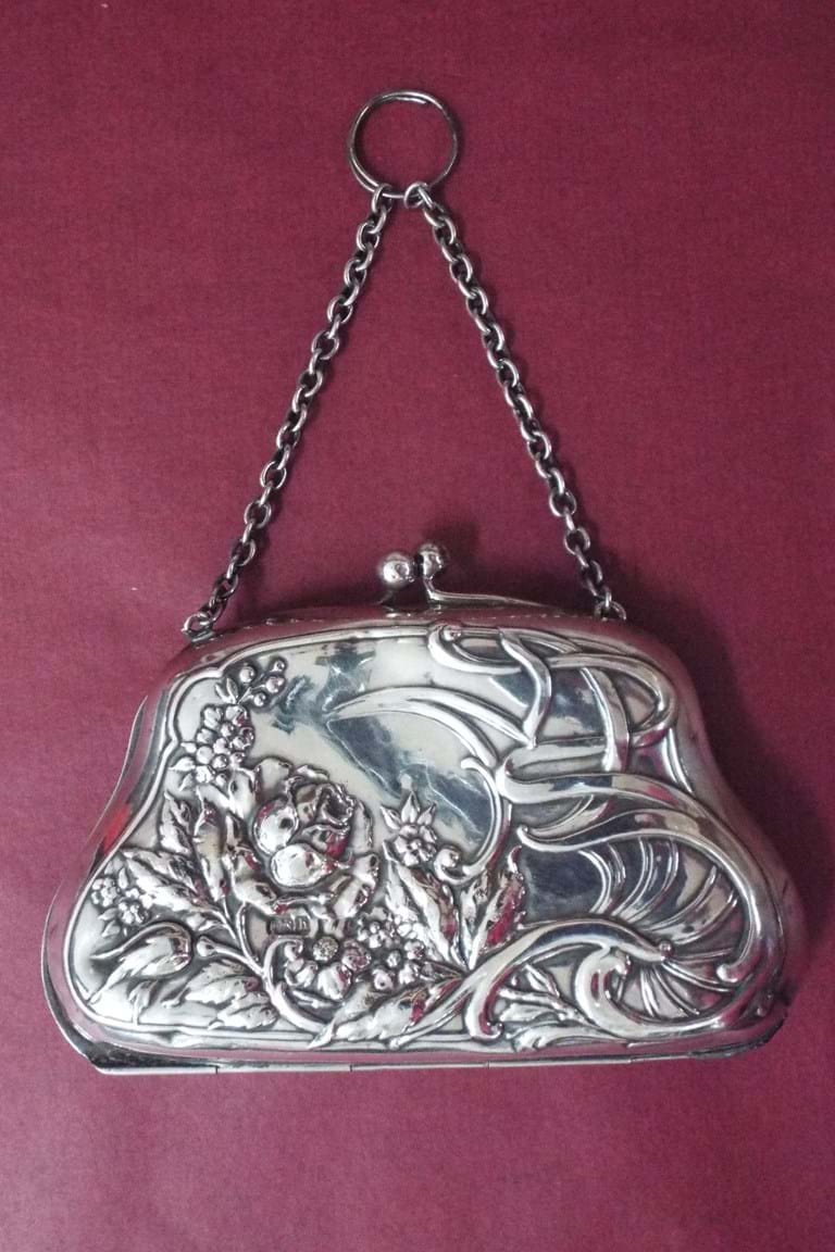 Edwardian ladies art nouveau silver purse