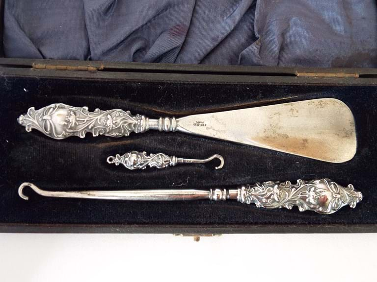 Victorian set shoe horn glove and button hooks