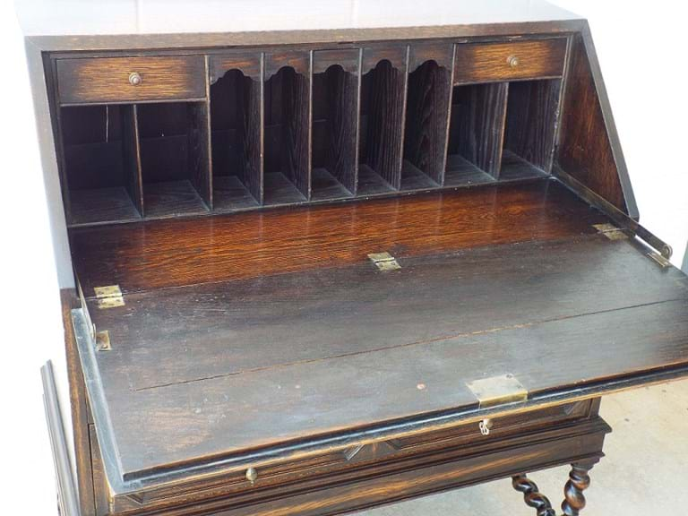 1920s oak bureau chest