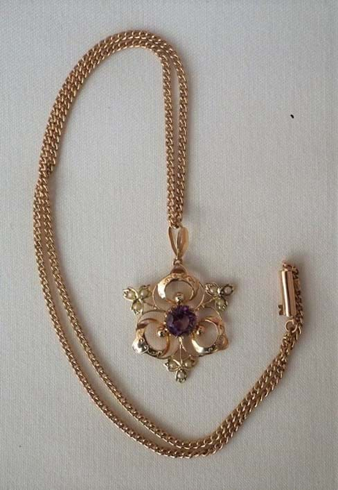 9 carat gold art nouveau pendant and chain