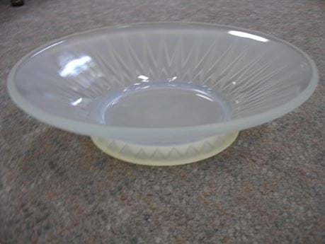 1930s French art deco opalescent glass bowl