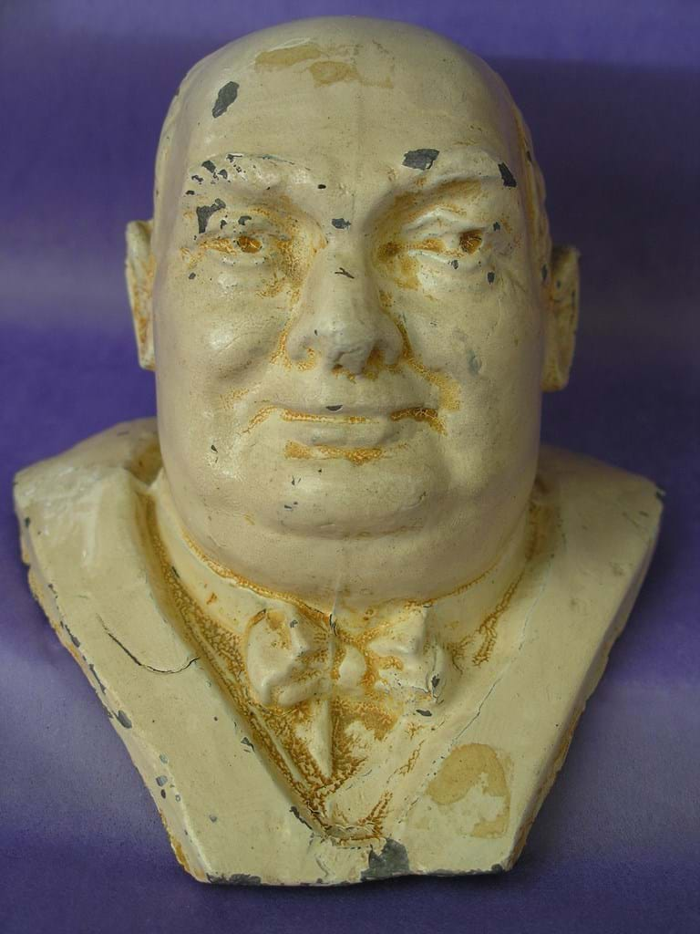WWII era metal paperweight bust of Winston Churchill