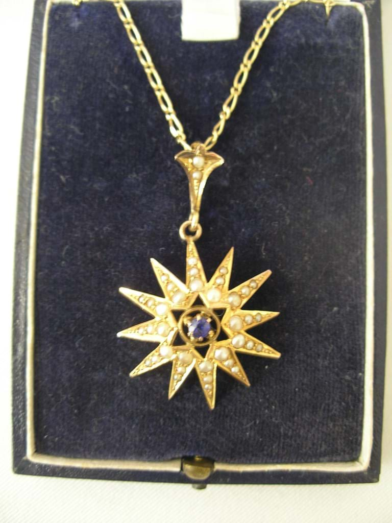 9 carat gold sapphire seed pearl pendant