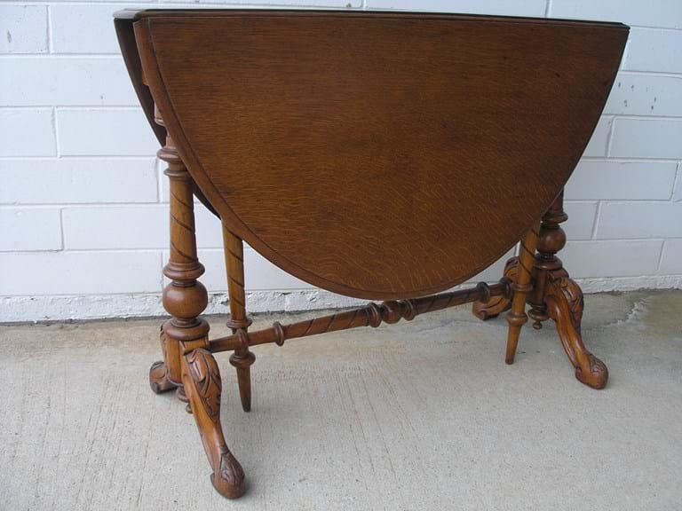 Victorian oak oval Sutherland table. Antique Lounge Furniture   Canberra Antiques Centre   Australia