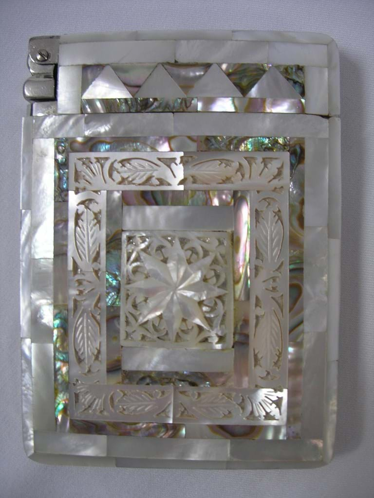 Mother of pearl cigarettes case lighter combo