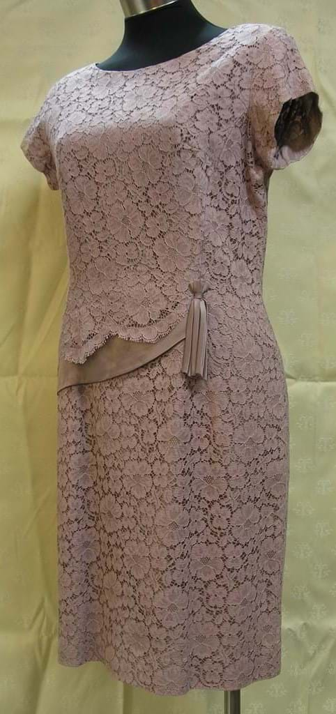c1960 afternoon frock pink lace