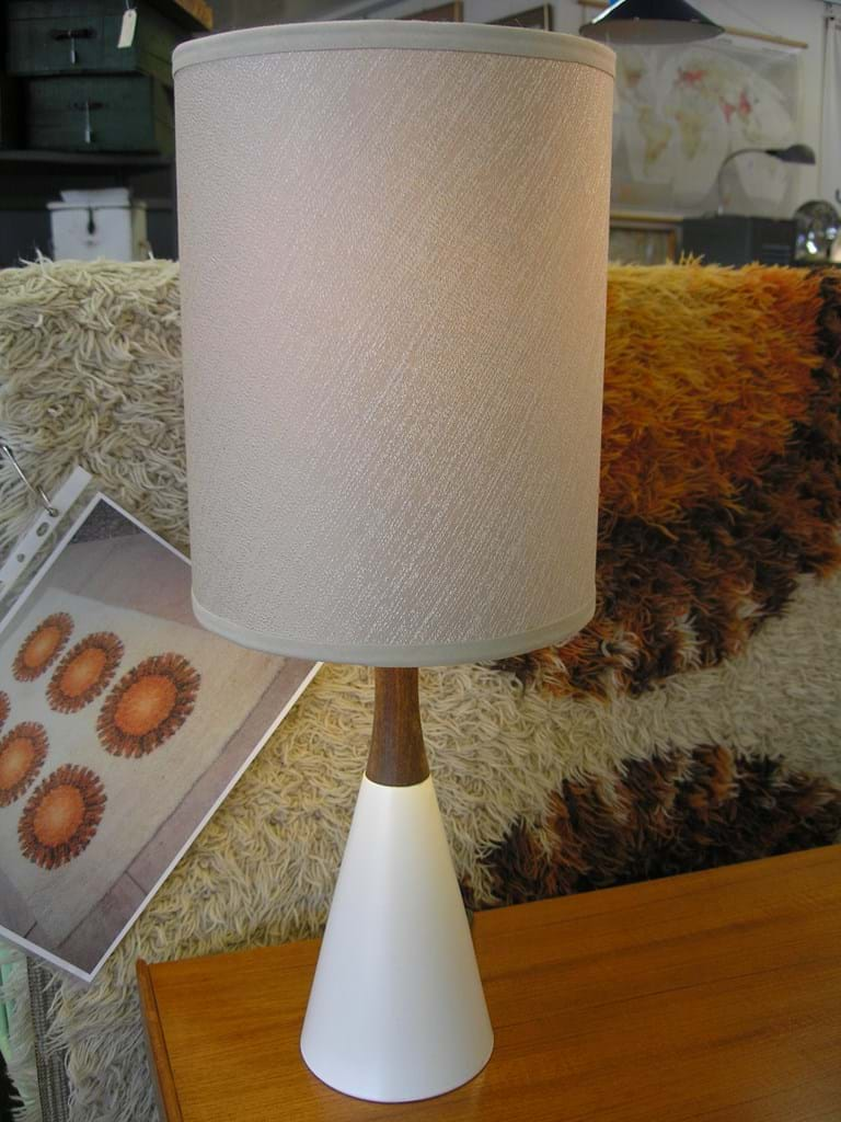 1960s Lyndale pottery and timber table lamp