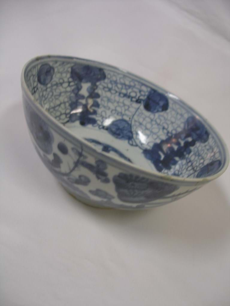 Chinese late Ming Swatow Ware bowl
