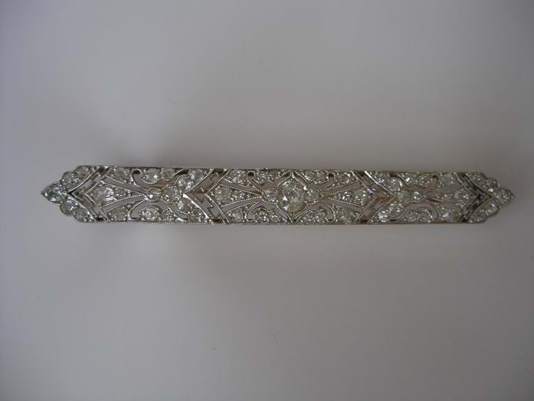 18 carat gold platinum diamond bar brooch