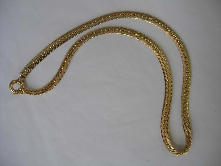 9 carat gold serpentine link chain