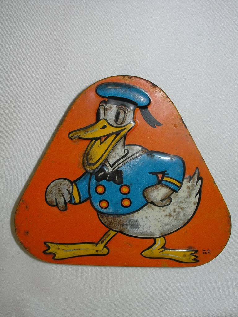 1940s Disney Donald Duck tin