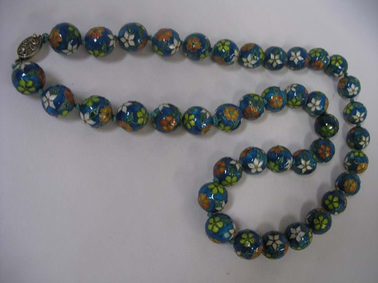 Large string cloisonne beads