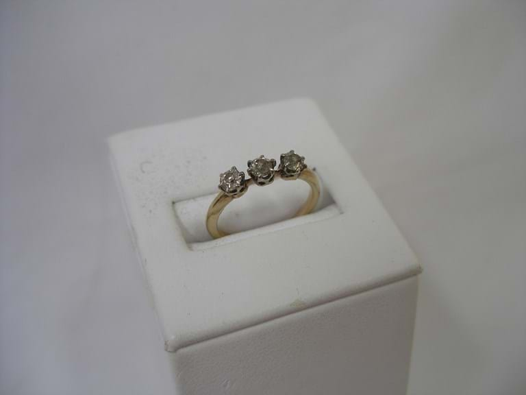 15 carat gold diamond ring