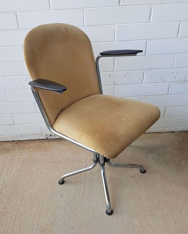 c1960s swivel office chair with arms